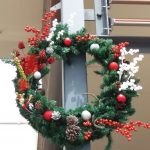 gallery-wreaths-hollyberries