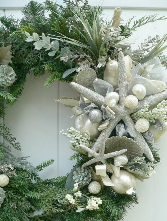 Christmas werath with sea decorations
