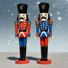 2 Nutcracker soldiers in blue and red