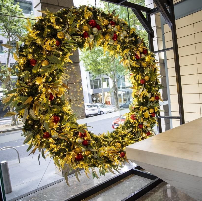 Wattle Christmas wreath