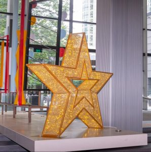 Large Christmas star in gold and led