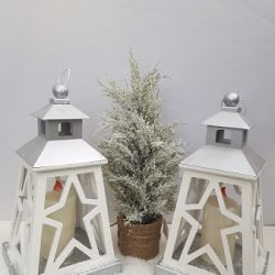 1137 PROPS LANTERNS STAR DESIGN no glass silver & white